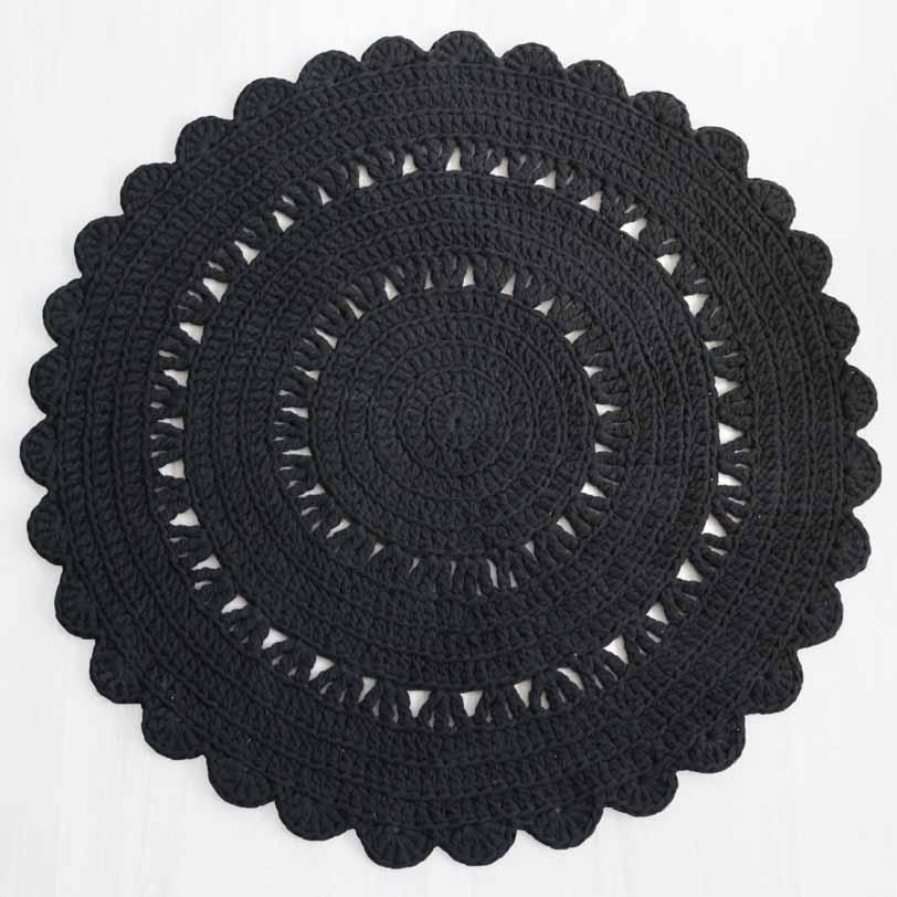 suosittu musta pyöreä virkattu matto