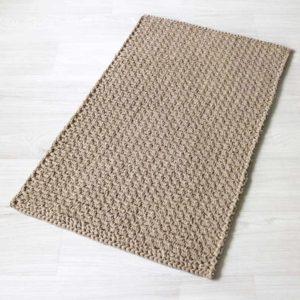 Skandimalliston suorakaide virkattu matto