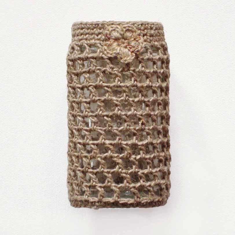 Pellavalla koristeltu maljakko