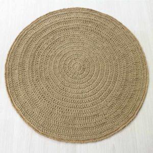 Juutista virkattu pyöreä matto