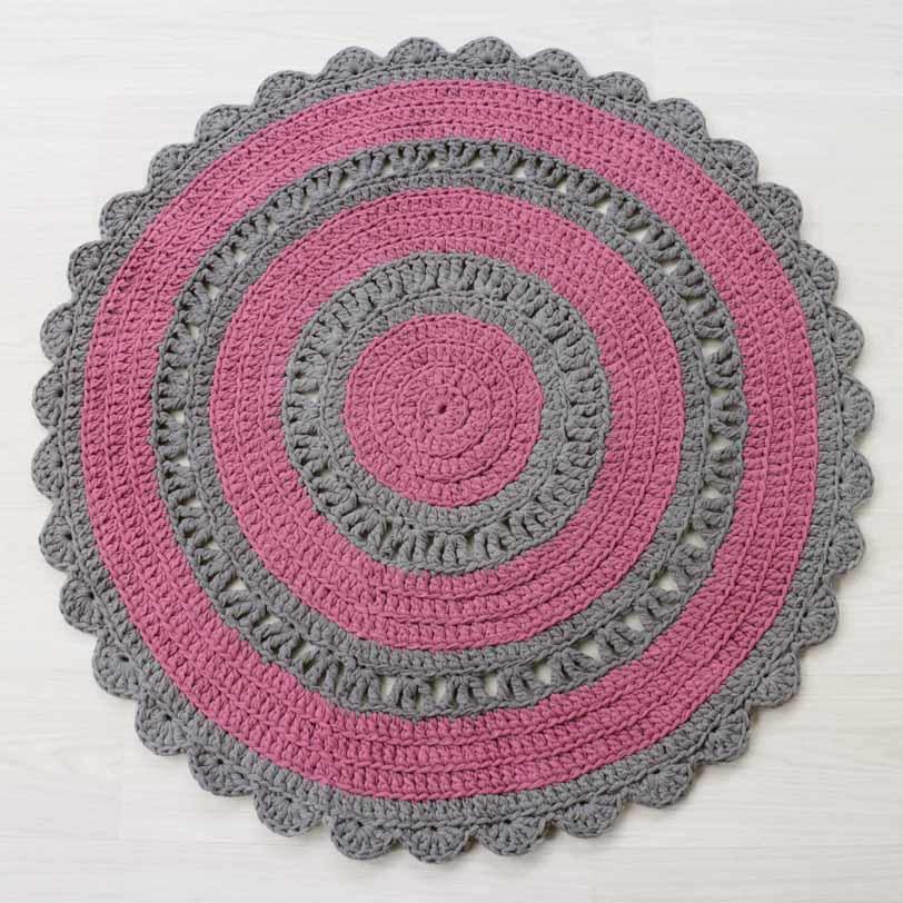Kanervan-harmaan värinen virkattu matto