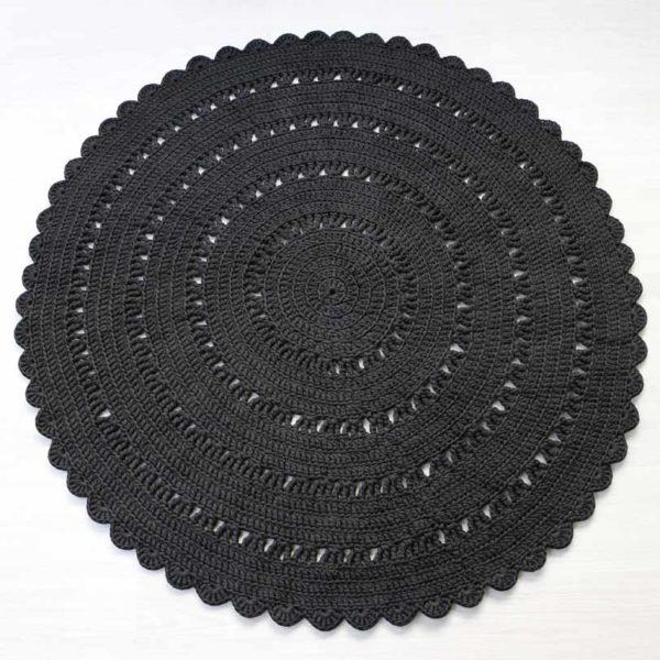 ylellisen upea musta virkattu suuri matto
