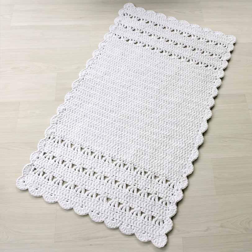 Valkoinen suorakaide virkattu matto