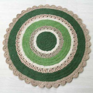 vihreäsävyinen metsäinen virkattu matto