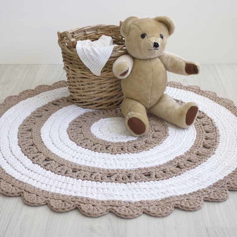 suloinen beige valkoinen virkattu matto